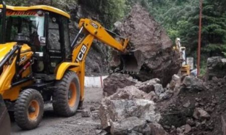 Heavy Landslide on Mussoorie-Dehradun Road