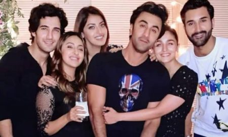 Alia Bhatt-Ranbir Kapoor can't keep their hands off each other at Akansha Ranjan's Birthday Bash